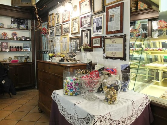 Pasticceria Castelnuovo : Little bit of history of the store