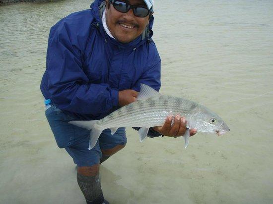 Sin Duda Villas: Captain Jose with Phil's bonefish