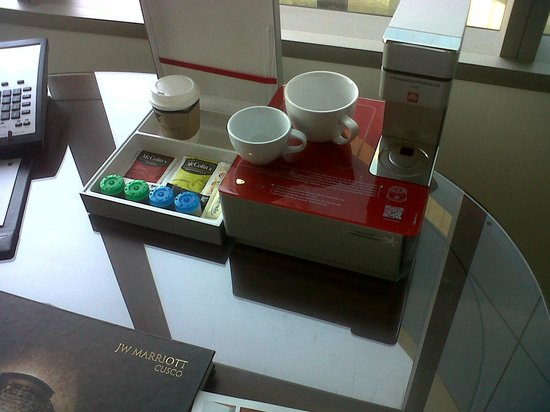 JW Marriott Hotel Lima: coffe in the room