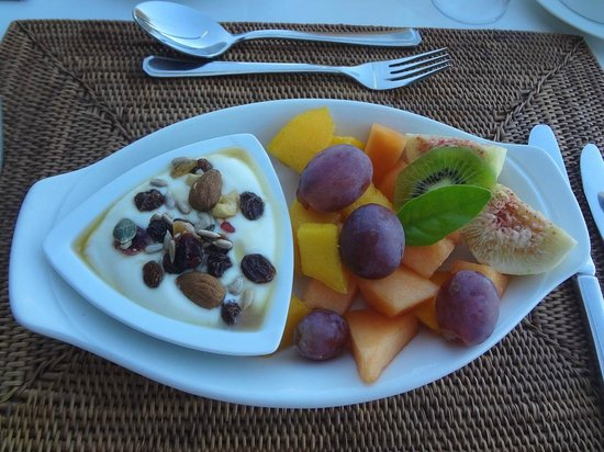 Yotclub B&B : FRUIT AT BREAKFAST