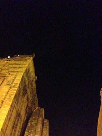 Po Nagar Cham Towers: 夜の空、星、タワー、綺麗!!