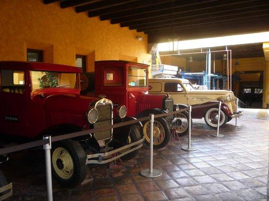 Destilería La Rojeña de José Cuervo: carros usados para entregas no início da fábrica