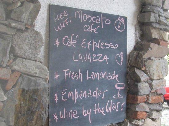 Moscato Cafe: Menú rústico
