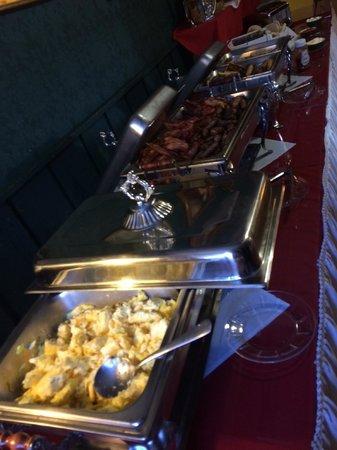 The Matterhorn Inn: Breakfast Buffet