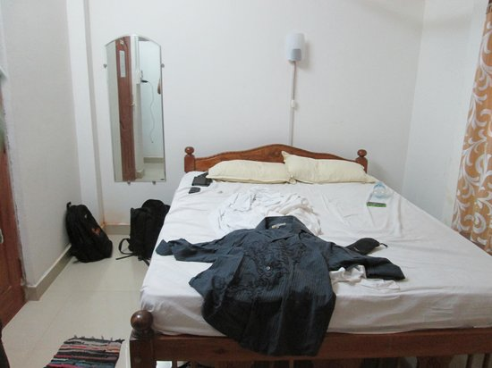 Gabriels Guest House : comfortable bed with 10 inch mattress :D