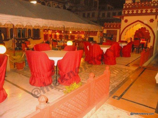 Umaid Bhawan Heritage House Hotel : Hotel Umaid Bhawan - The Terrace Restaurant