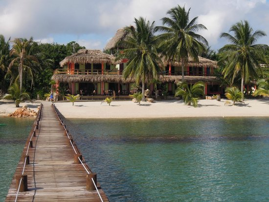 Robert's Grove Beach Resort: view from the dock