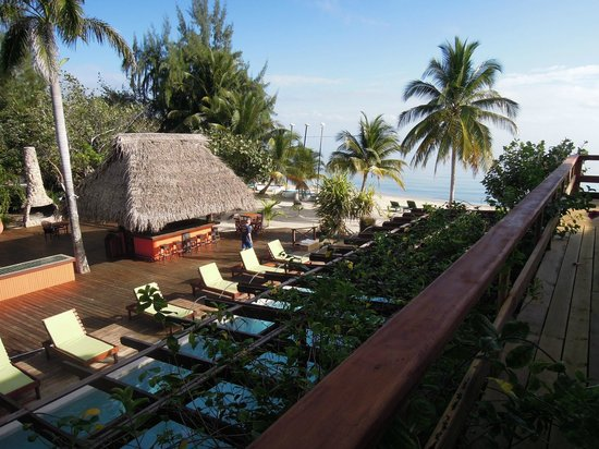 Robert's Grove Beach Resort: north side of area