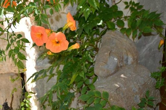 Holidays in Lagrasse : One of the sculptures found during the renovations.
