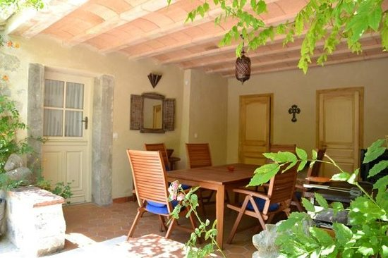 Holidays in Lagrasse : Our covered heated terrace for cooler evenings.