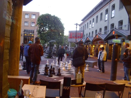 Max Euwe Centrum : street chess - viwe from restaurant Max