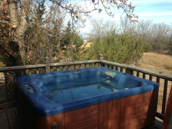 The Hideaway Ranch & Retreat : Hot tub was clean and private
