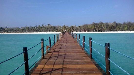 Dongwe Club: La spiaggia vista dal pontile