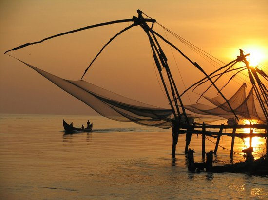 The Poovath Heritage - An Amritara Resort: Sun setting over the Chinese fishing nets