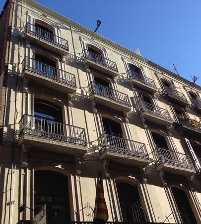 Hostal La Terrassa: Front facade