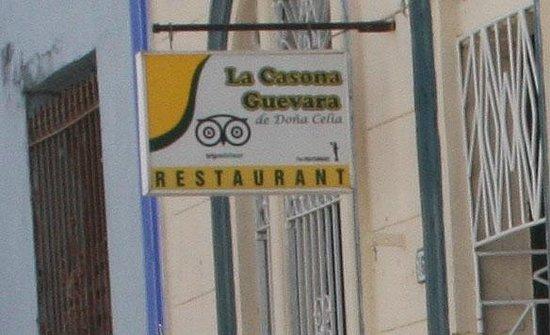 La Casona Guevara : the sign