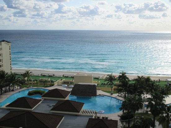 The Royal Caribbean : Morning view from balcony