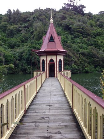 ZEALANDIA Sanctuary: Viewing area on the water.
