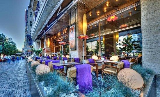 Como Restaurant & Cafe