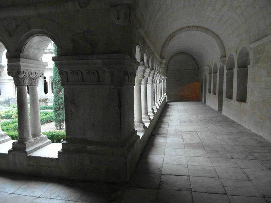 Abbaye Notre-Dame de Sénanque : Il chiostro