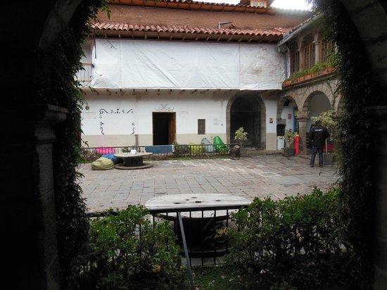 Pariwana Hostel : Pátio do hostel