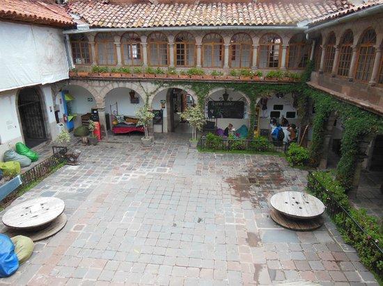 Pariwana Hostel Cusco : Pátio do hostel