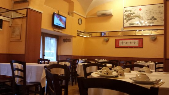 Grand Dragon: Inside the restaurant