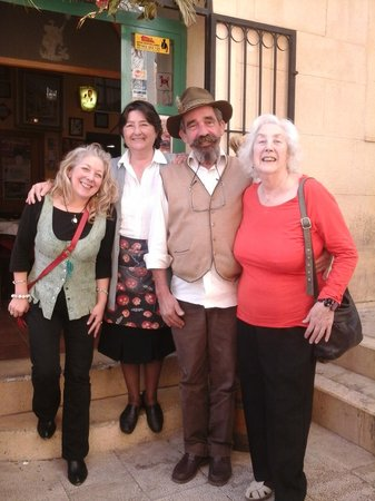 La Taberna Iberica: Outside with the restaurant owners