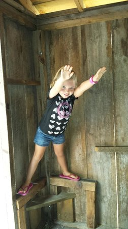 Cosmos Mystery Area : Stand upright on a wall & defy the laws of gravity!