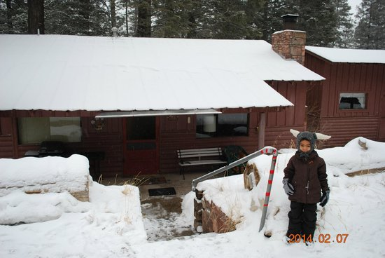 The Cabins at Cloudcroft : front of cabin 8