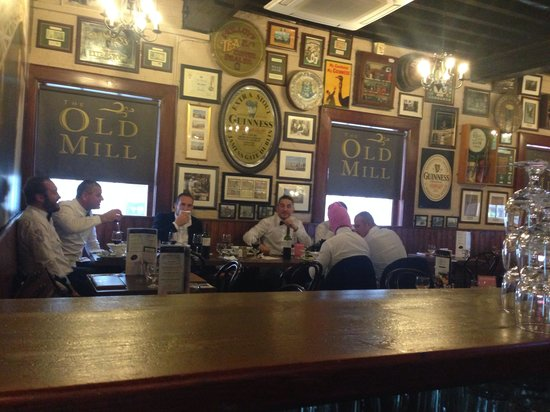 The Old Mill Restaurant: Lunchtime