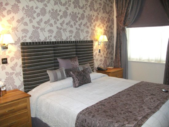 Orsett Hall: room 10