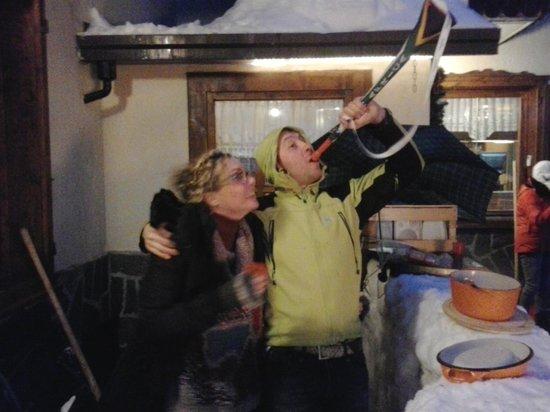 Hotel Alpi: Serata vin-brulé sulla neve