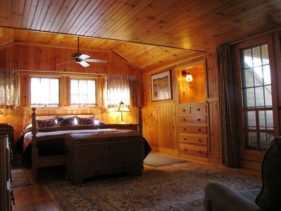 Migis Lodge : Master bedroom in Beach