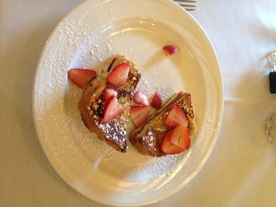 Lookout Point Lakeside Inn : Decandent chocolate french toast