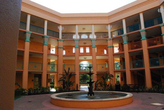 Disney's Coronado Springs Resort : outside of one of the buildings