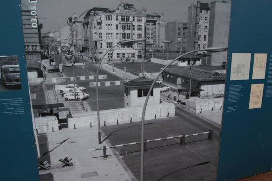 Checkpoint Charlie: Trochę historii, wystawa