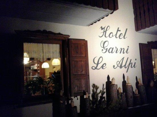 Hotel Alpi: La facciata