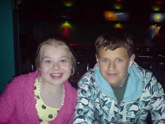 Parkdean - Mullion Holiday Park: Beki and her cousin  Mullion, entertainment night