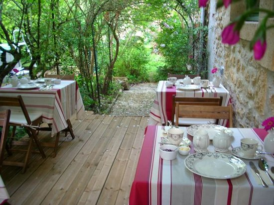 Le Jardin Sarlat: Breakfast Terrace