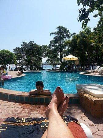 Phi Phi Andaman Beach Resort: pool