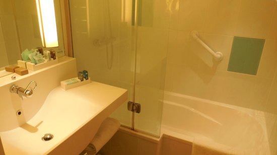 Novotel Glasgow Centre: Executive room - Bathroom