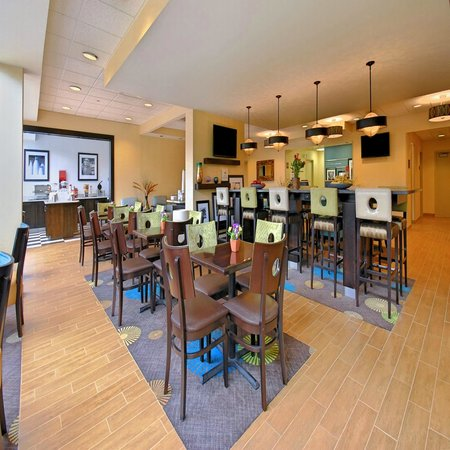 Hampton Inn Clinton : Dining Area