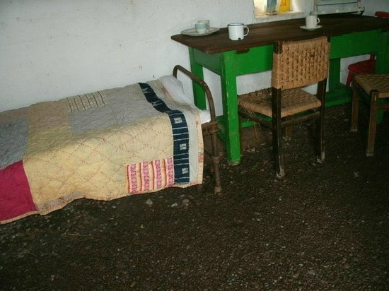 Kerry Bog Village Museum : Danny the labourer's cottage - note the dirt floors and very simple bedstead