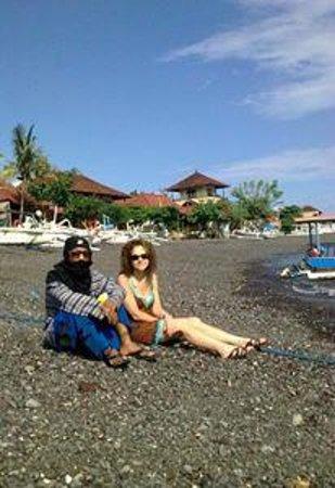 Amed Beach: :))