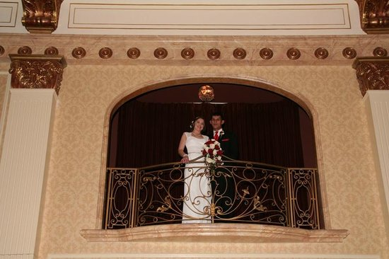 The Pfister Hotel : Balcony Presentation