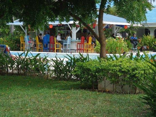 Puerto Azul Boutique Resort & Marina : restaurate bar