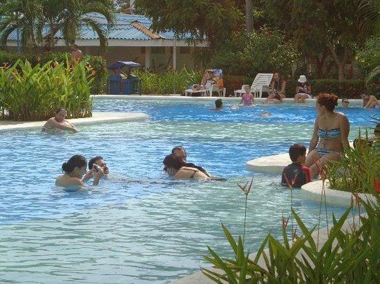 Puerto Azul Boutique Resort & Marina : Una de las piscinas del hotel
