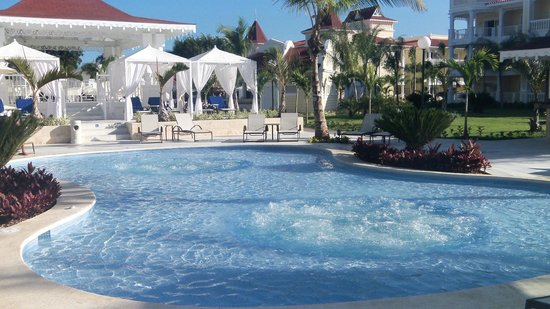 Luxury Bahia Principe Bouganville Don Pablo Collection : Quiet pool with Cabanas