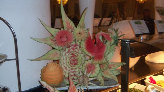 Luxury Bahia Principe Bouganville : Incredible food scupltures